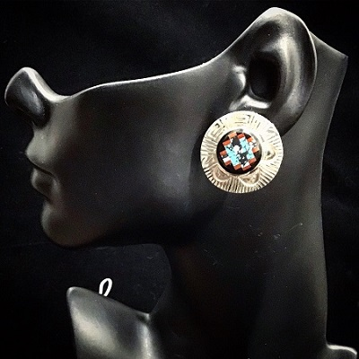 EAR SS ROUND W INLAY CIRCLE